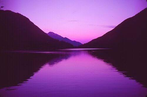 и наконец, воскресенье--Фиолетовый цвет Существует множество оттенков и множество...